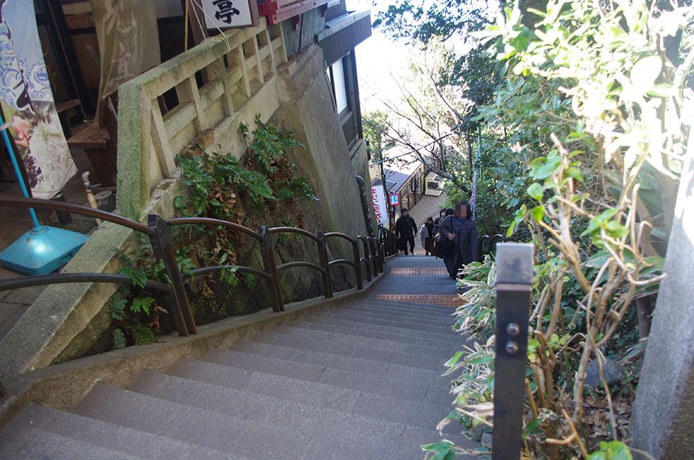 裏磯への階段