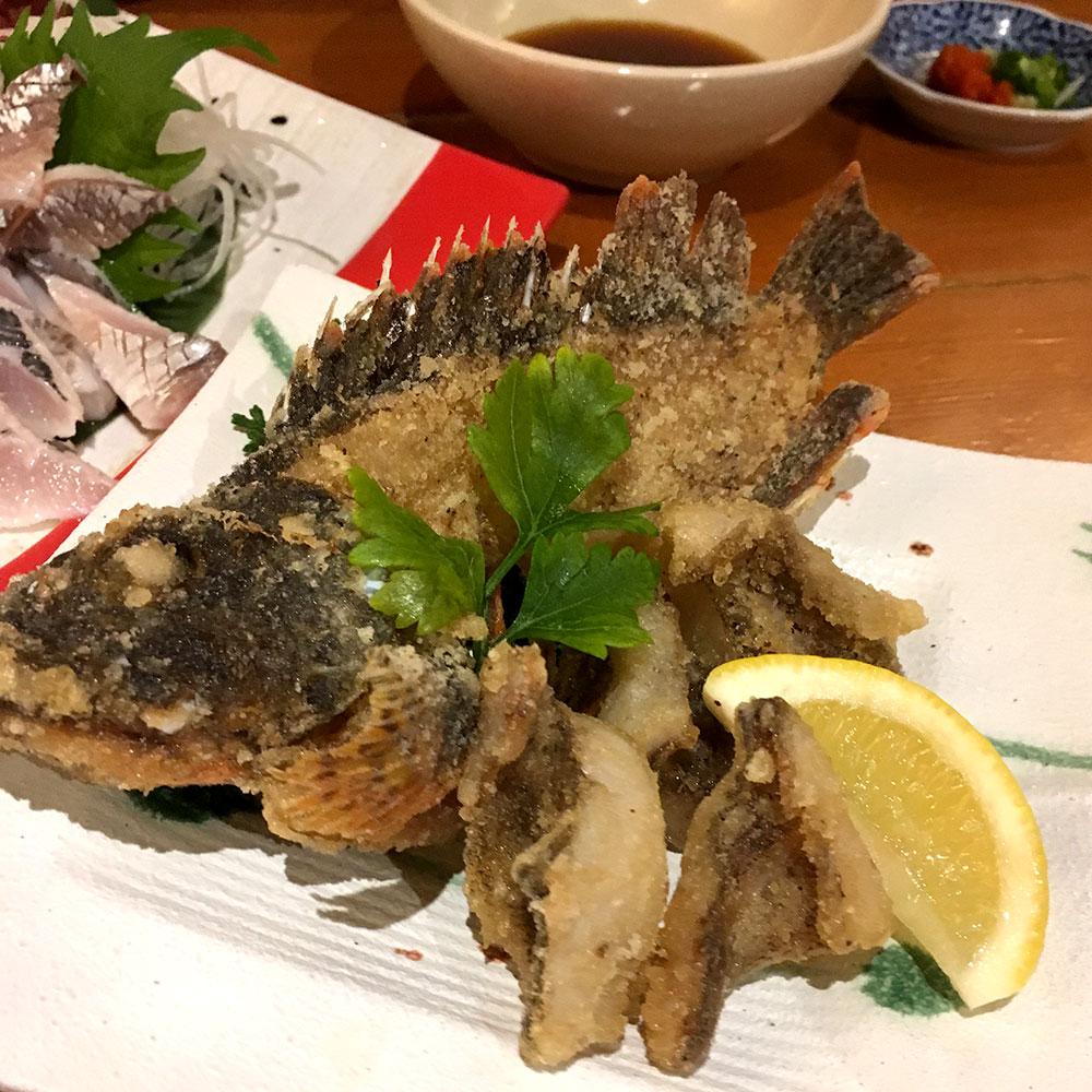 高田屋 カサゴの唐揚げ 骨もバリバリ食べられる