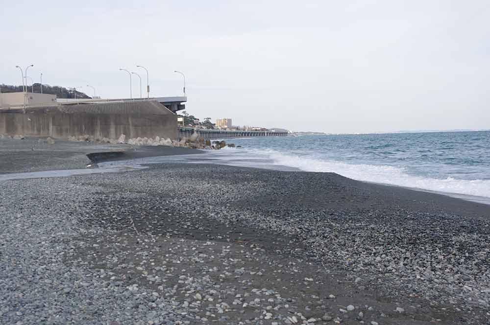 森戸川河口(小八幡海岸側)