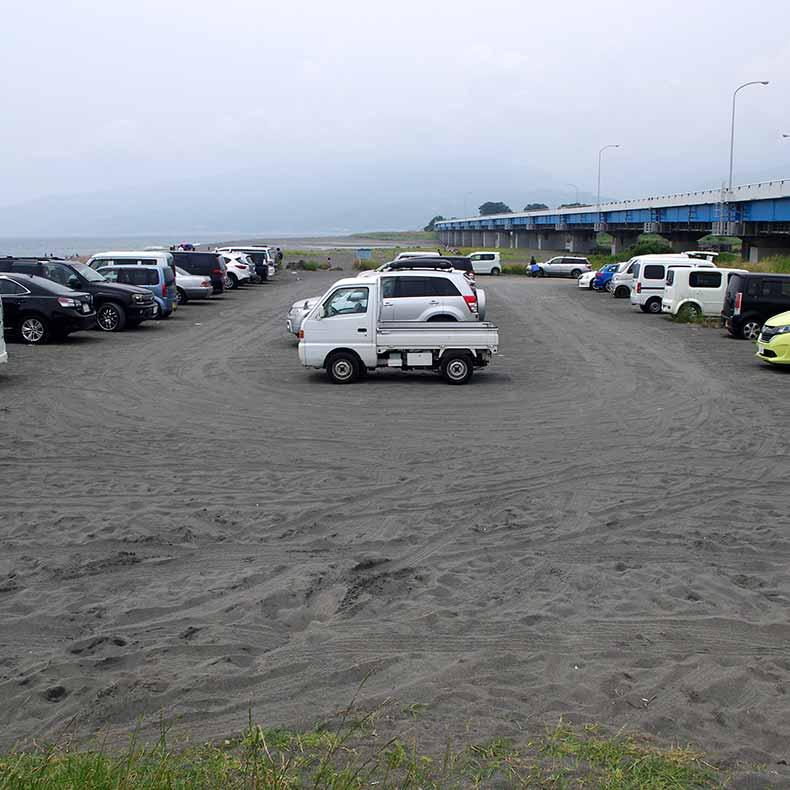 酒匂海岸の無料駐車場